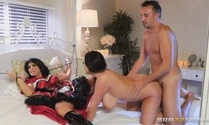 FFM threesome with dressed up busty chick and a sexy vampire AnalDin