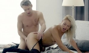 Blonde licked and dicked Beeg