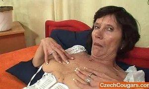 Naked gilf splendid corset xVideos