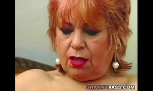 Granny fucks her old pussy with banana xVideos