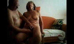 Old slut having great orgasm. Real amateur xVideos