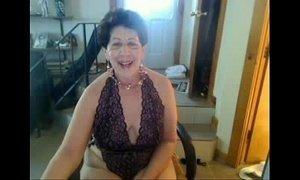 Old sag tittie butt slut enjoys singing on cam xvid xVideos