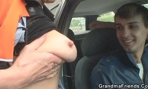 Slutty granny takes two cocks in the fields xVideos