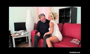 Hairy mom squirts xVideos