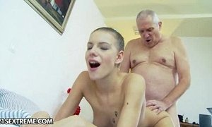 A Shower with Grandpa xVideos