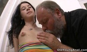 Olga has her breasts licked by older man xVideos