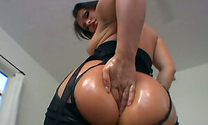 Ruined brunette hussy gets her asshole fisted before sucking massive cock