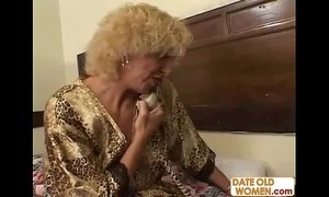 Grandmother fucking young girl xVideos