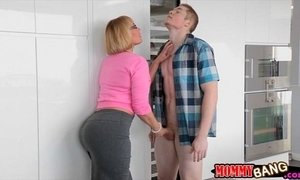 Busty stepmom Mellanie Monroe caught teen sucking cock xVideos