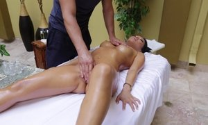 Massaging a hot Asian babe Beeg