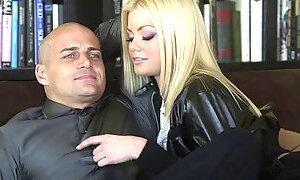 Fake-boobed blonde Riley Steele enjoys ardent doggystyle sex