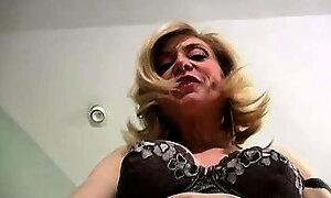 FetishNetwork Nina wants you to jerk off