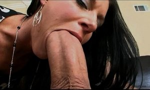 India Summer gets her milf muff split in two xVideos