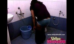 Indian Housewife Shilpa Bhabhi Hot Shower - xxxmilf.pro