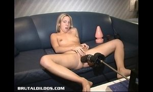 Montreal amateur blond fucked by a brutal dildo machine xVideos