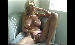 Sexy Blonde Milf Smoking xVideos
