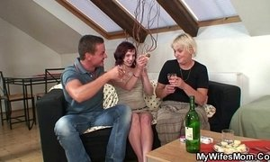 Boozed granny seduces her son in law xVideos